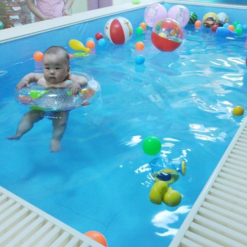 家有儿女婴儿游泳馆